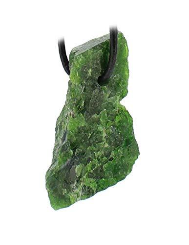 budawi® - Chromdiopsid grüner Diopsid Rohstein Rohstück Anhänger mit Lederband