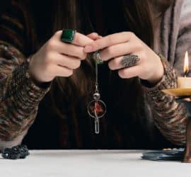 Pendeln mit Heilsteinen – eine Hilfe in vielen Lebenslagen?
